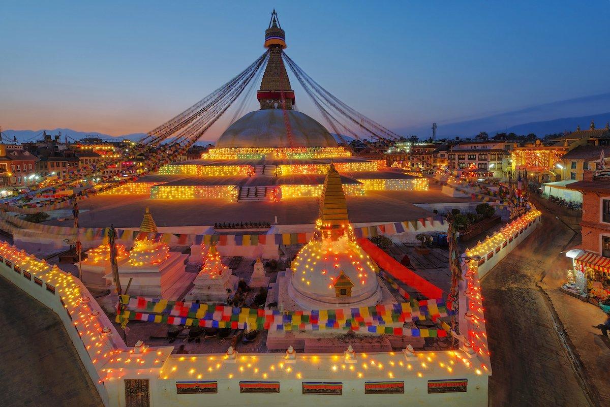 28-nepal--gdp-per-capita-2480-2022