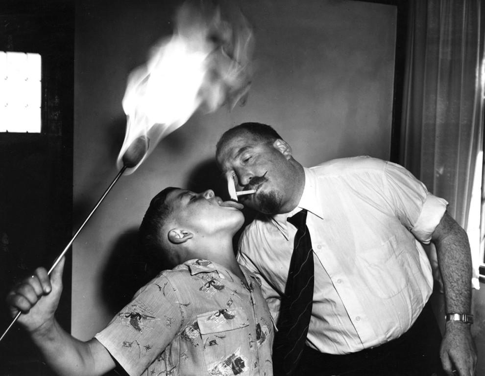 کیت های آموزش بلعیدن آتش - 1955