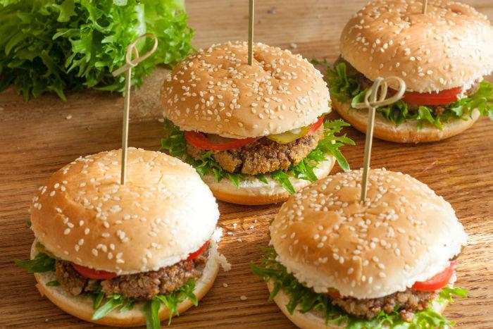 35-Veggie-Burgers-Everyone-Will-Love-Victoria-w700