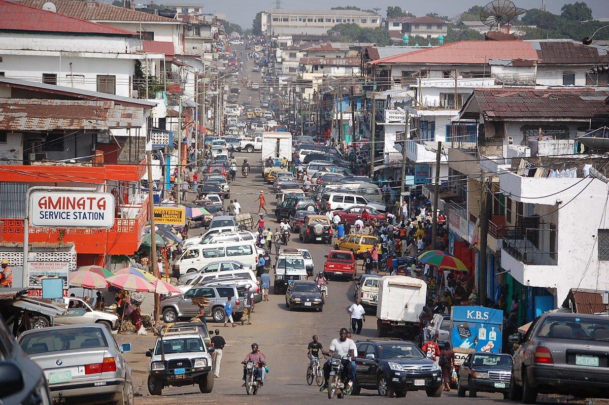 4-liberia--gdp-per-capita-882-719