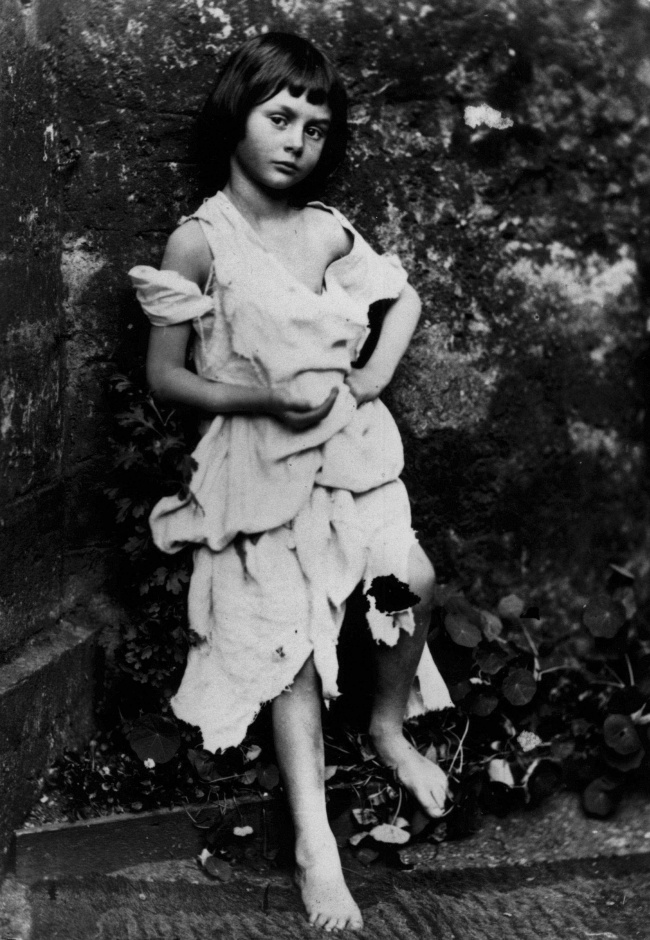 آلیس لیدل - منبع الهام «لوئیس کارول» برای خلق شخصیت آلیس در کتاب «آلیس در سرزمین عجایب»