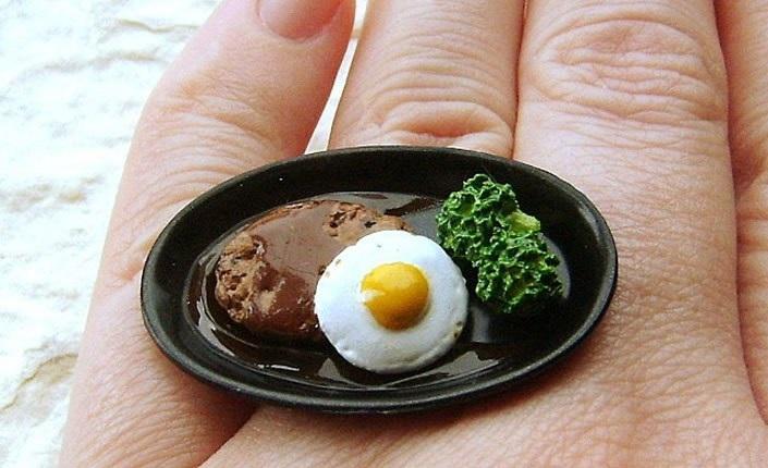 انگشترهای زیبایی که به شکل دسر و خوراکی های خوشمزه ساخته شده اند