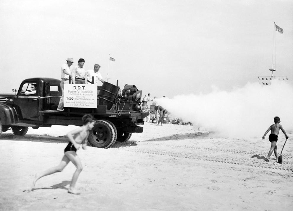 مه پاش های حشره کش - 1945