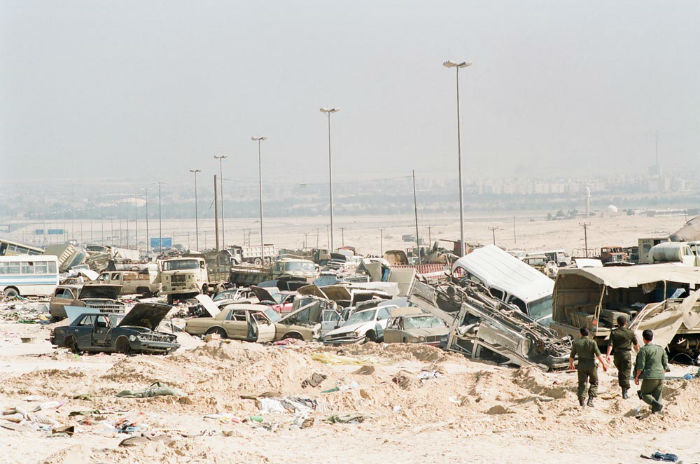 Kuwait-invasion-Highway-of-Death-4103-w700