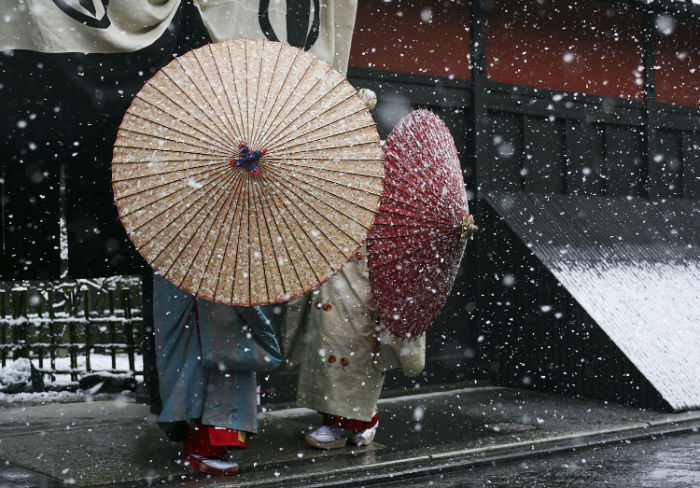 Maiko-Geisha-Winter-Photo-Japan-Photography-5-w700