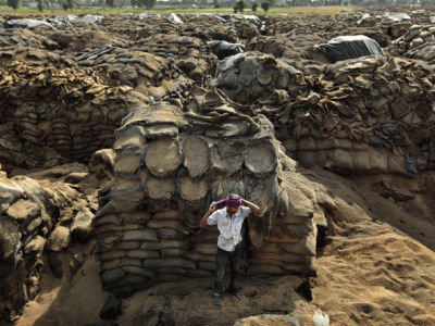 millions-of-tons-of-grain-rot-in-storage-even-as-thousands-die-of-malnutrition-w700