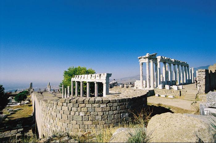 pergamum-acropolis_2427764511-w700