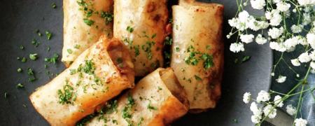 pxqrocxwsjcc_1ZgI6Vtz7CkyocYcMmaAgI_curry-noodles-cheese-spring-rolls_squareThumbnail_en