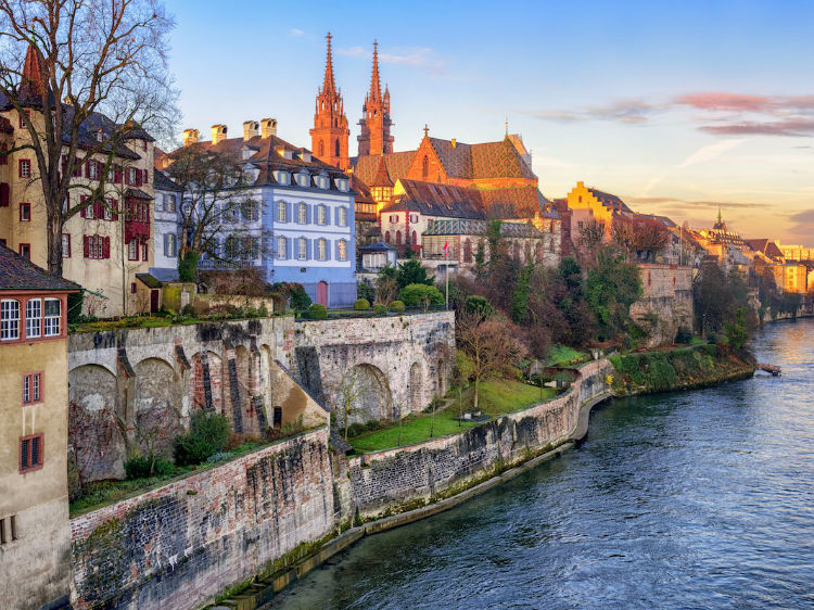 t10-basel-switzerland--the-small-city-of-just-around-165000-people-is-located-in-the-border-triangle-between-germany-france-and-switzerland-and-has-beautiful-surroundings-and-a-strong-economy-w750