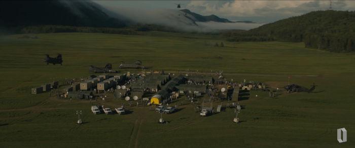 the-base-looks-like-it-has-a-lot-of-people-standing-in-it-w700