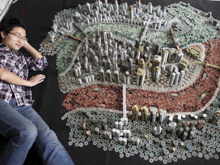 «پیکی» که در شهر «چونگ کینگ» در کشور چین ساکن است به جمع آوری سکه اعتیاد دارد.