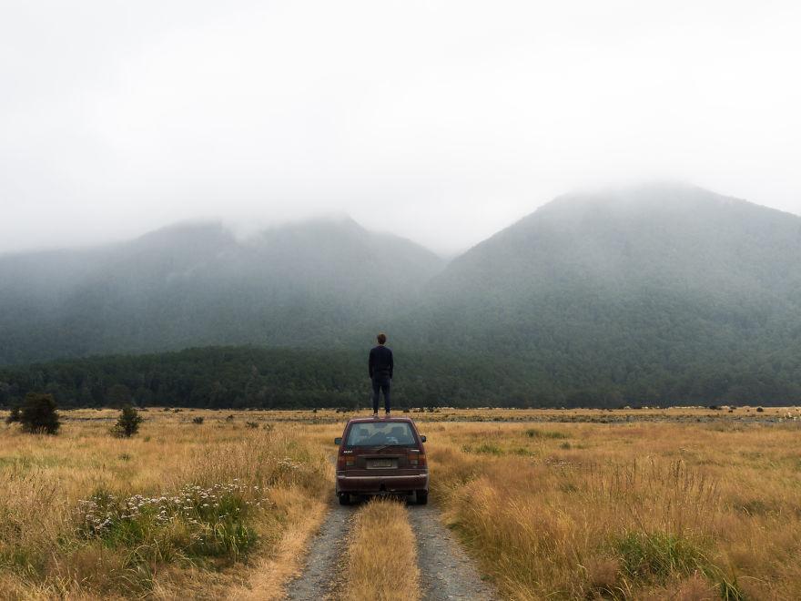 پارک ملی Fjordland - که از کشورهایی همانند قطر، جامائیکا یا قبرس بسیار بزرگ تر است.