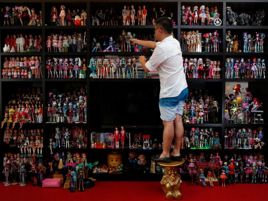 «ژیان یانگ» در کشور سنگاپور نیز 6 هزار عروسک باربی دارد.