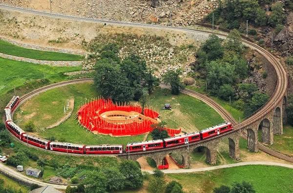 با ۸ نمونه از عجیب ترین و جالب ترین خطوط راه آهن در جهان آشنا شوید