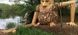 ساخت مجسمه های چوبی غول پیکر و قرار دادن آن ها در جنگل توسط هنرمند دانمارکی [تماشا کنید]