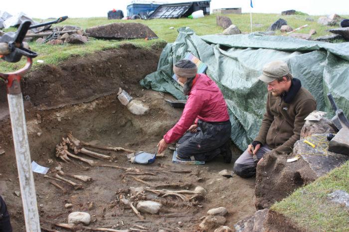 Danish-Canadian-team-excavating-skeletons-w700