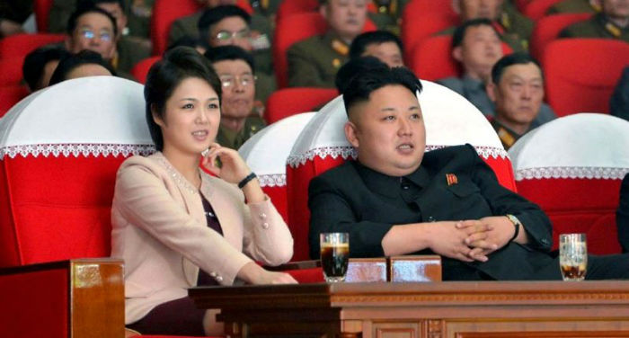 North-Korean-leader-Kim-Jong-Un-and-his-wife-Ri-Sol-Ju-800x430-w700