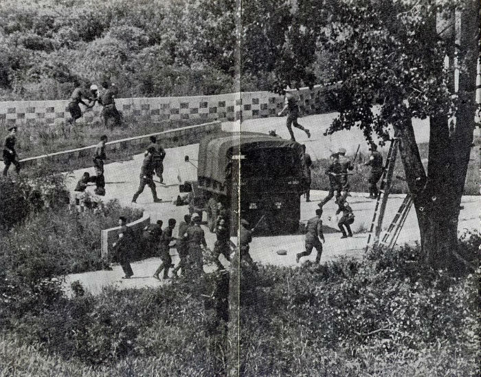 North_Korean_Axe_Murderers_at_DMZ_-_1976-w700