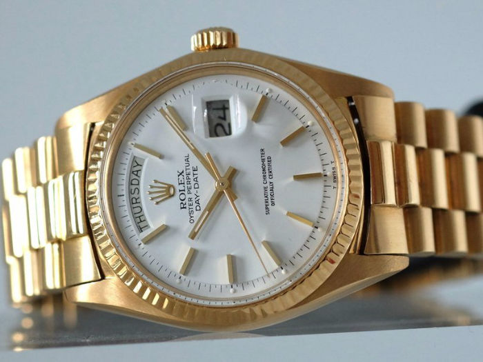 a-genie-whispered-rolex-in-the-founders-ear-w700