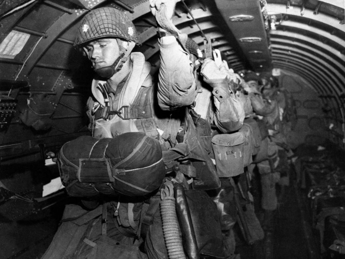 american_paratroopers_about_to_jump_on_June_6_1944-w700