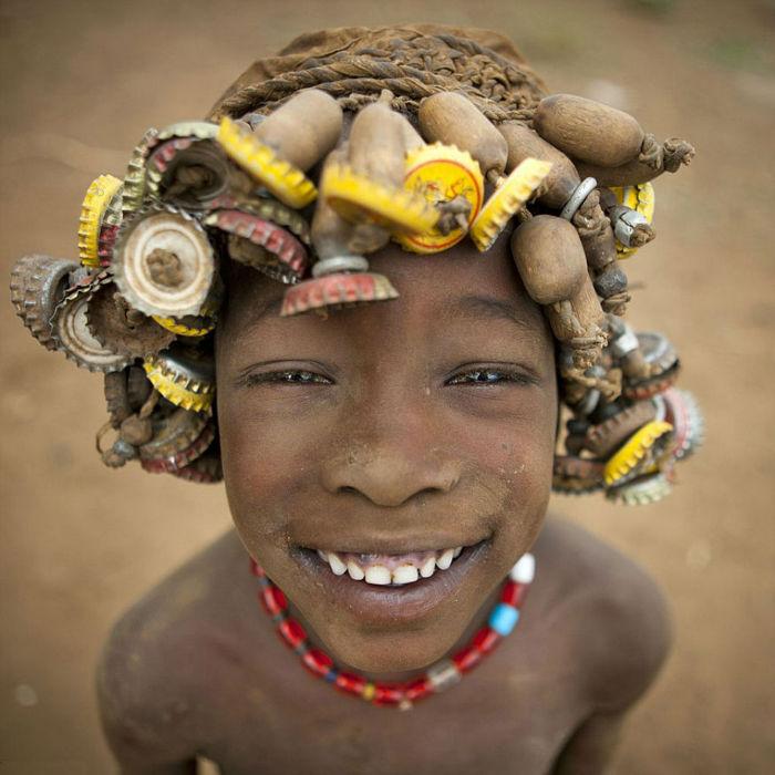 daasanach-tribe-recycled-headwear-eric-lafforgue-ethiopia-i-w700