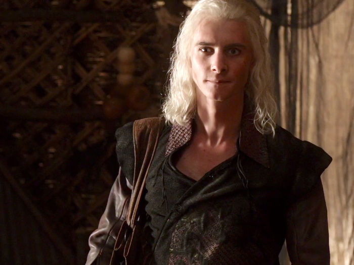 daenerys-hateful-brother-viserys-was-played-by-harry-lloyd-viserys-was-killed-in-season-one-by-having-molten-gold-poured-over-his-head-w700