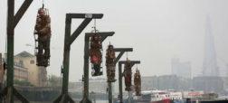 سکوی اعدام کنار رودخانه ی تَیمز لندن؛ کابوسی برای دزدان دریایی