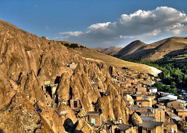 سفر به دیار کندوان؛ سومین روستای صخره ای جهان