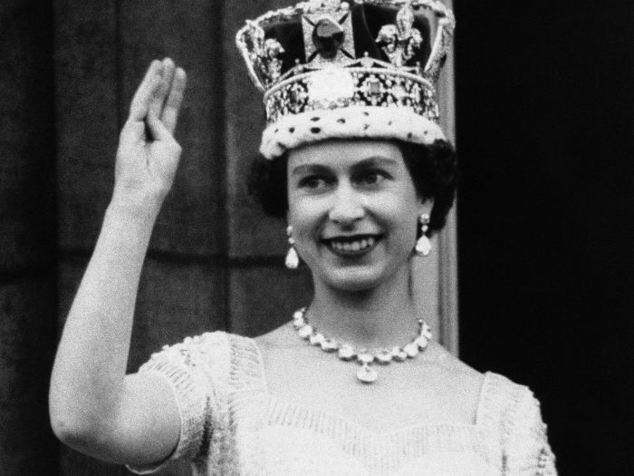 she-has-reigned-for-so-long-four-out-of-five-uk-residents-werent-alive-when-she-ascended-the-throne-w700