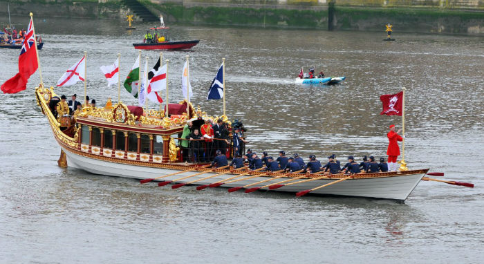 the-queens-bargemaster--1215-w700