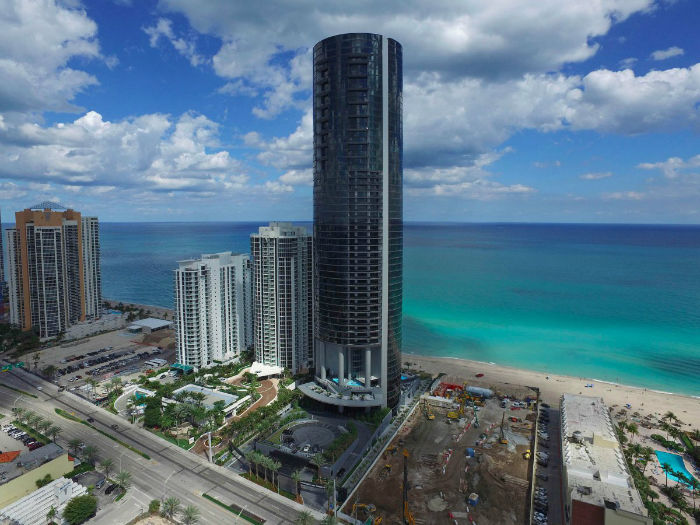 the-tower-is-60-stories-tall-rising-650-feet-on-the-shorefront-of-sunny-isles-beach-w700