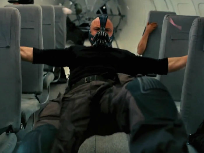 tom-hardy-gained-nearly-30-pounds-to-play-bane-in-the-dark-knight-rises-w700