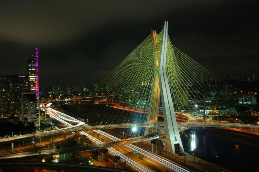 پل اُکتاویو فرایس د اولیویا، برزیل
