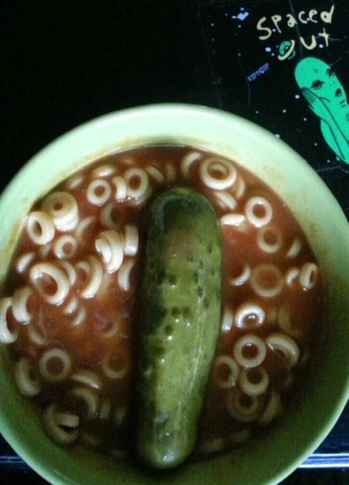 سوپ نودل با خیارشور