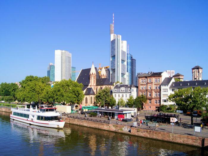 19-frankfurt-germany--1463-w700