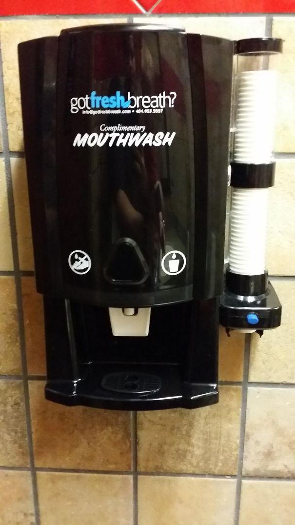 دستگاه شست و شوی دهان در رستوران ها