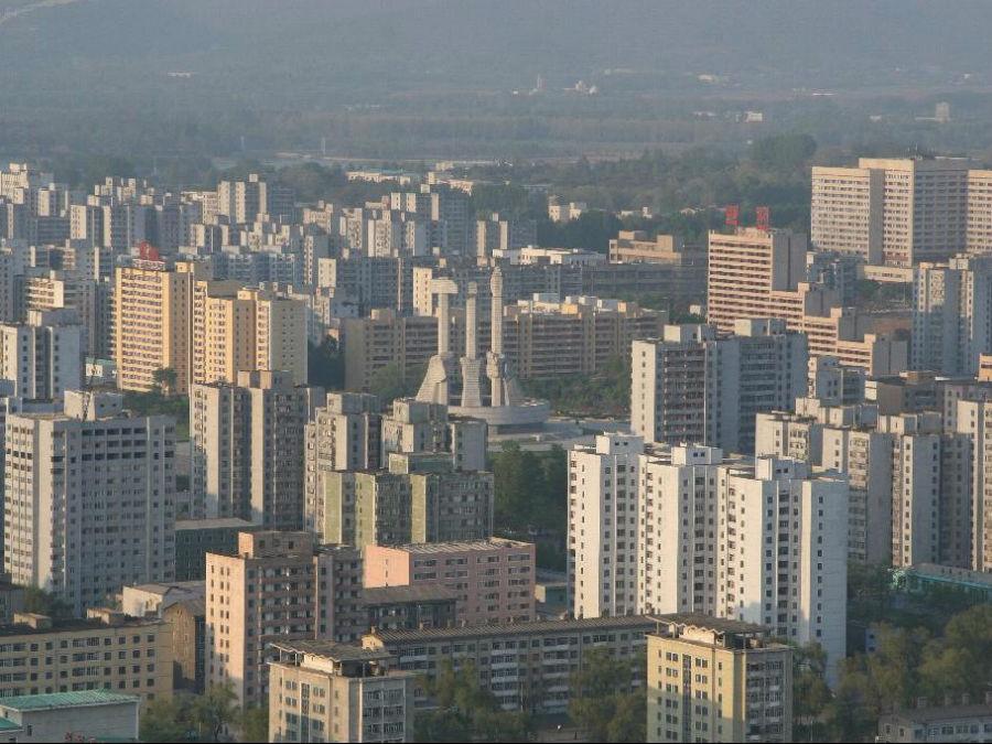 چشم انداز کلی شهر، توجه ویژه به قدرت را در این منطقه نمایان می سازد.