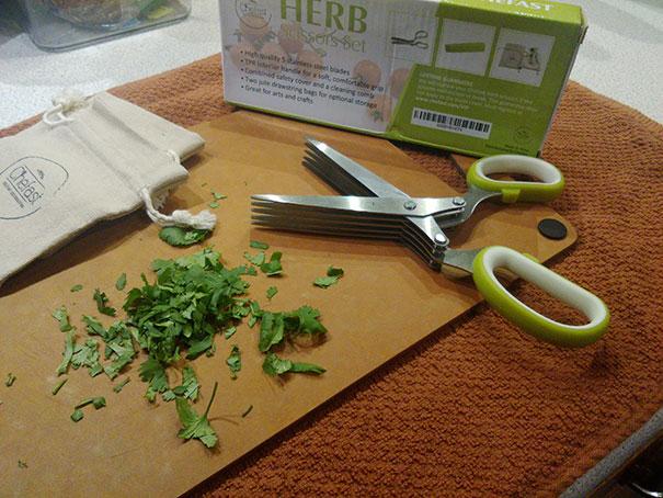 قیچی مخصوص خرد کردن سبزیجات