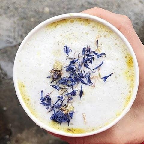 گل خشک روی قهوه!