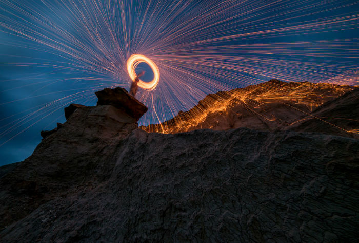If-you-havent-gotten-into-light-painting-yet-then-fire-up-the-coffee-pot-grab-your-gear-and-head-out-into-the-night-5926d1adcb0c3__880-w700