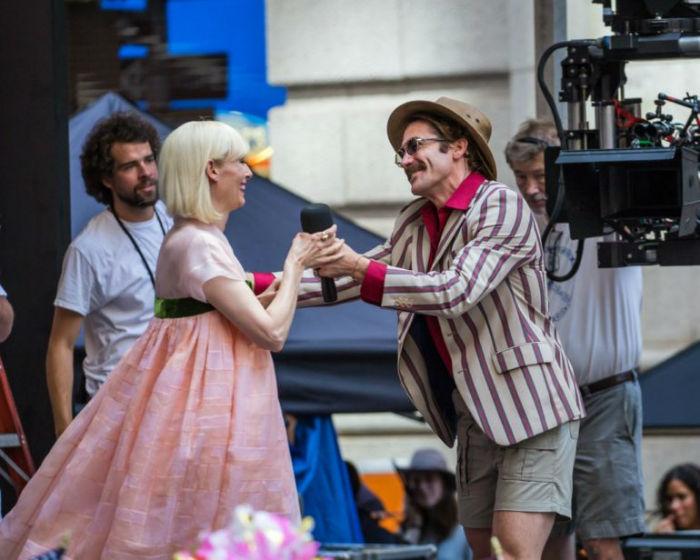 Jake-Gyllenhaal-Set-Okja-Pictures-770x616-w700