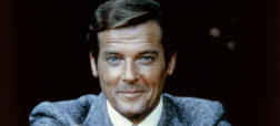 actor-roger-moore-on-the-set-of-moonraker-picture-id607391734-w700