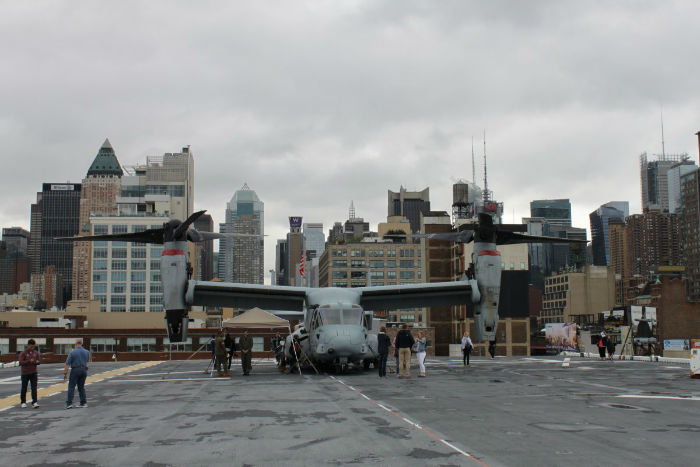 an-mv-22-osprey-tilt-rotor-aircraft-parked-on-the-kearsarges-bow-w700