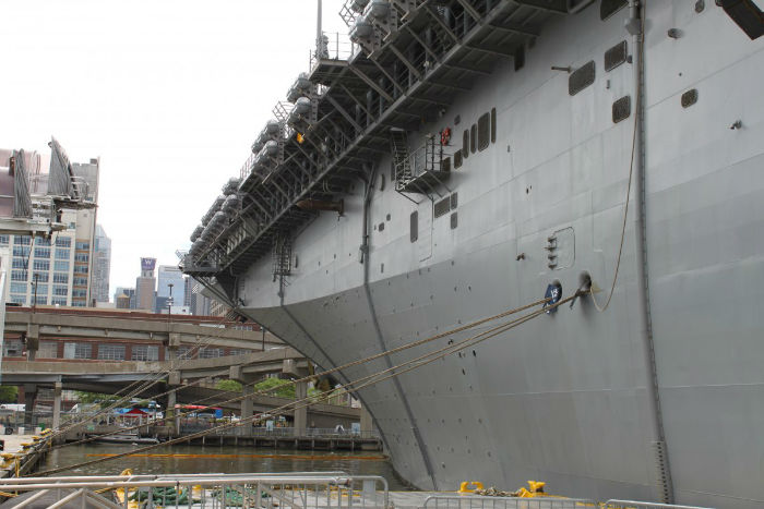 the-kearsarge-stretches-844-feet-from-bow-to-stern-with-a-27-foot-draft-fully-loaded-it-displaces-44000-tons-and-can-push-through-the-water-at-over-24-knots-w700