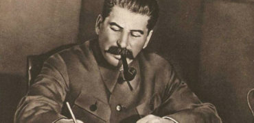 weird-stalin-at-desk-w700