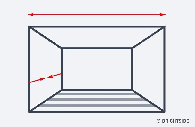 اگر در نظر دارید تا اتاق را عریض تر از آن چه هست نمایش دهید و از عمق آن نیز بکاهید، نوارهای افقی در کف اتاق این هدف را ممکن می سازد.