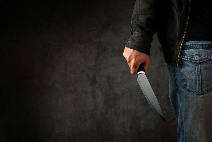 چگونه در برابر حمله با چاقو از خود دفاع کنیم؟