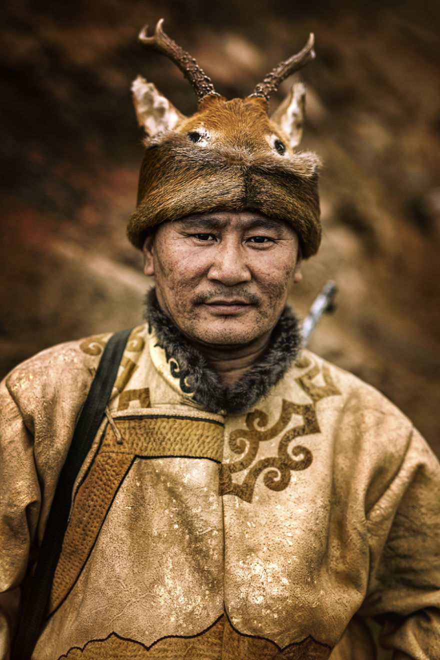 35-Portraits-Of-Amazing-Indigenous-People-of-Siberia-From-My-The-World-In-Faces-Project-59476830650c6__880