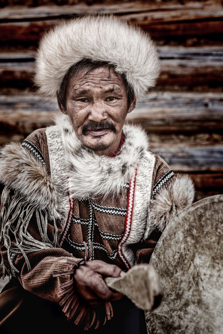35-Portraits-Of-Amazing-Indigenous-People-of-Siberia-From-My-The-World-In-Faces-Project-5947690e08f27__880