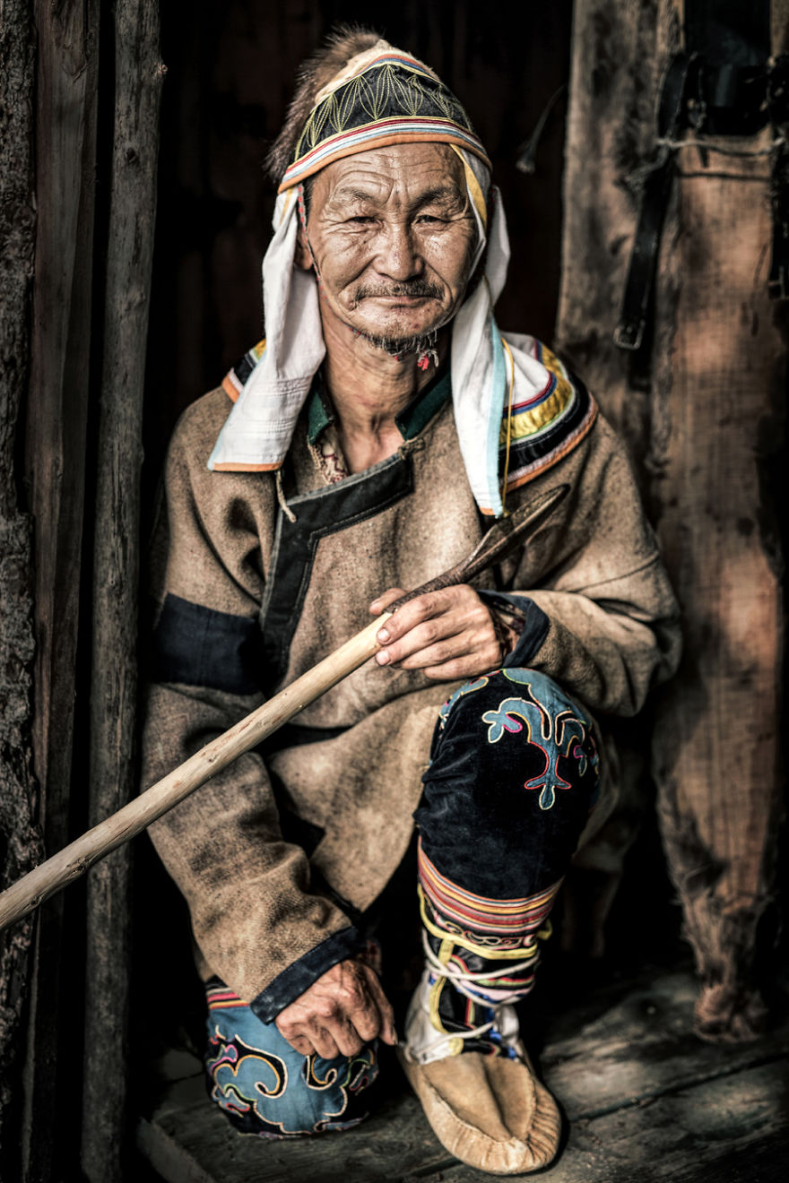 35-Portraits-Of-Amazing-Indigenous-People-of-Siberia-From-My-The-World-In-Faces-Project-594769285bc41__880
